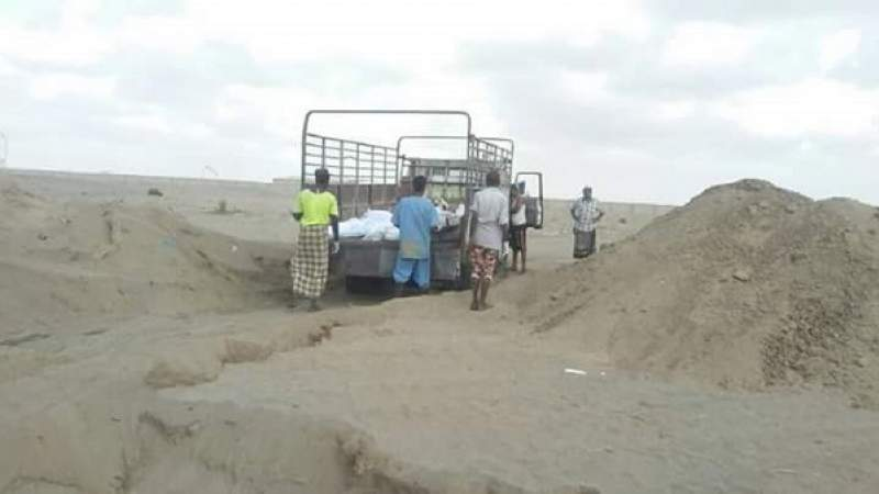 Unidentified Bodies Secretly Buried in Aden, While Citizens Look for Loved Ones
